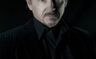 Dr Kobus Neethling